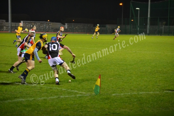 Gary Nolan attempts to rise the ball